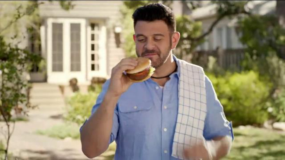 Walmart TV Spot, 'Tip for Grilling the Perfect Burger' Feat. Adam Richman - Screenshot 7