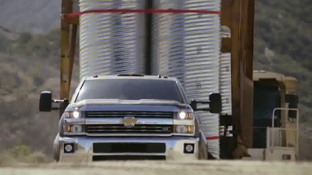 2015 Silverado Heavy Duty TV Spot, 'Best-in-Class Towing' - Screenshot 8