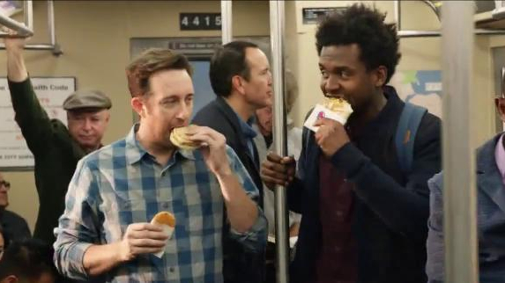 Taco Bell A.M.Steak and Egg Crunchwrap TV Spot, 'Subway' thumbnail