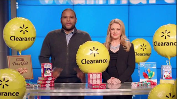 Walmart Holiday Clearance Event TV Spot, 'Balloons' Feat. Melissa Joan Hart thumbnail