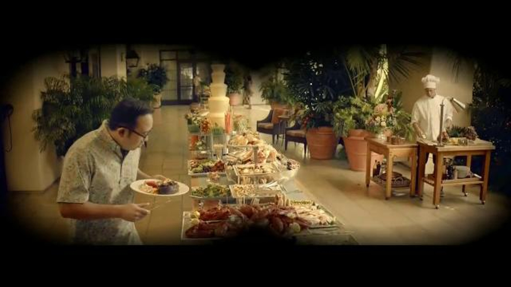 E*TRADE TV Spot, 'Talent Scout: Buffet' Featuring Kevin Spacey - Screenshot 1
