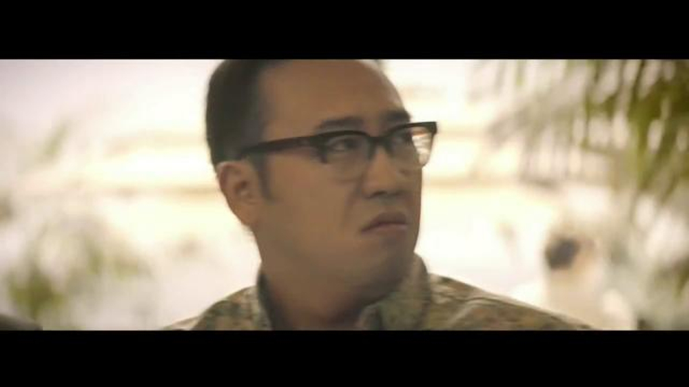 E*TRADE TV Spot, 'Talent Scout: Buffet' Featuring Kevin Spacey - Screenshot 3