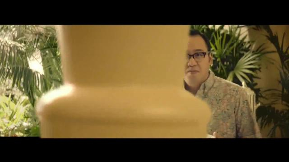 E*TRADE TV Spot, 'Talent Scout: Buffet' Featuring Kevin Spacey - Screenshot 9