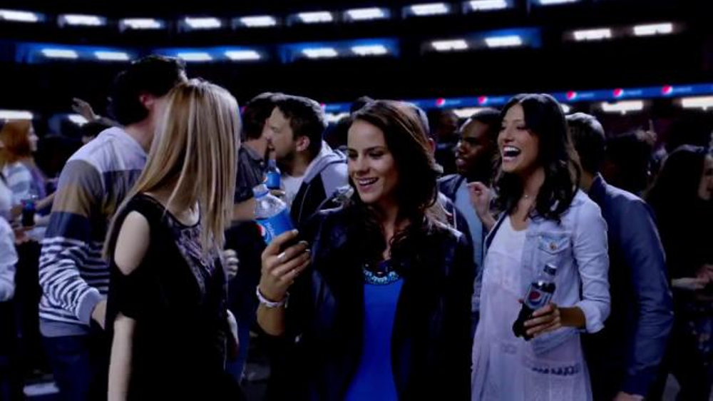 Pepsi TV Spot, 'There Since the First Halftime' - Screenshot 5