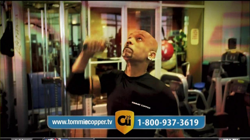 Tommie Copper Compression Sleeve TV Spot Featuring Montel Williams  - Screenshot 5
