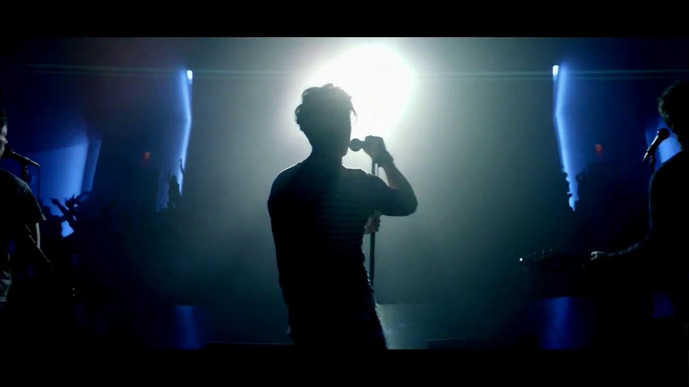Southwest Airlines TV Spot, 'Never Back Down' Song by Fun - Screenshot 6
