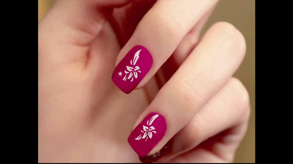 Hollywood Nails TV Spot - Screenshot 1