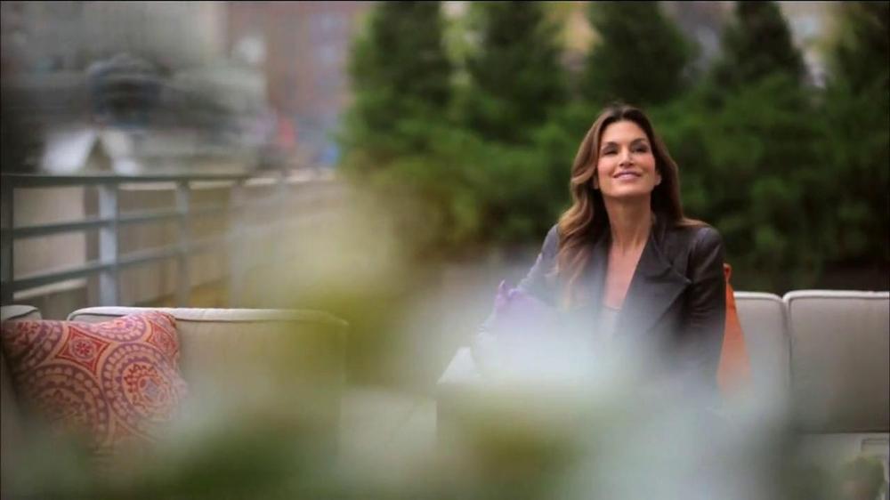 Meaningful Beauty TV Spot Featuring Valerie Bertinelli - Screenshot 3