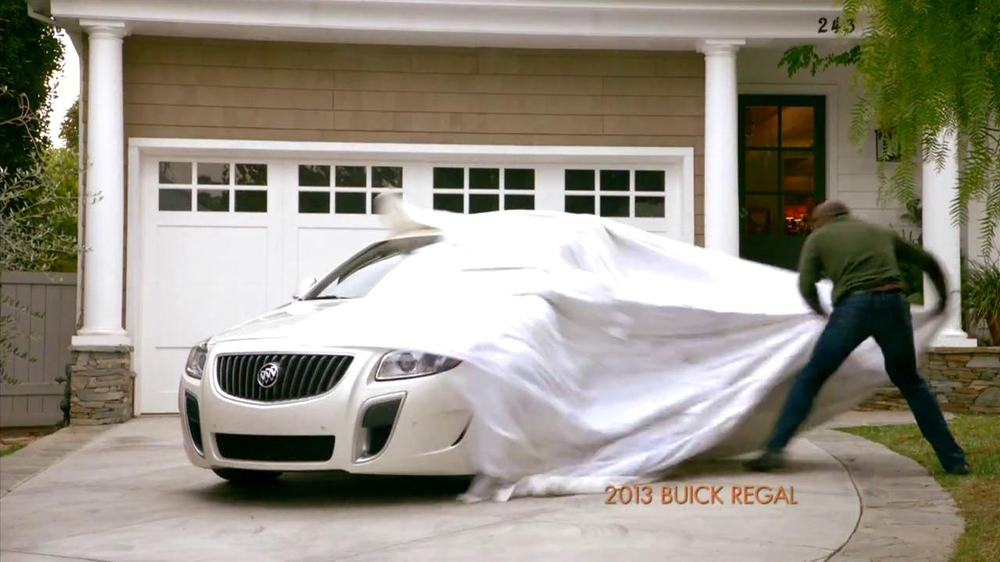 2013 Buick Regal Turbo TV Spot, 'Sewing White Quilt' - Screenshot 6