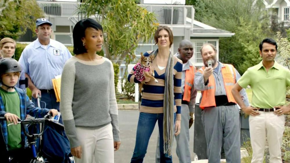 2013 Buick Regal Turbo TV Spot, 'Sewing White Quilt' - Screenshot 7