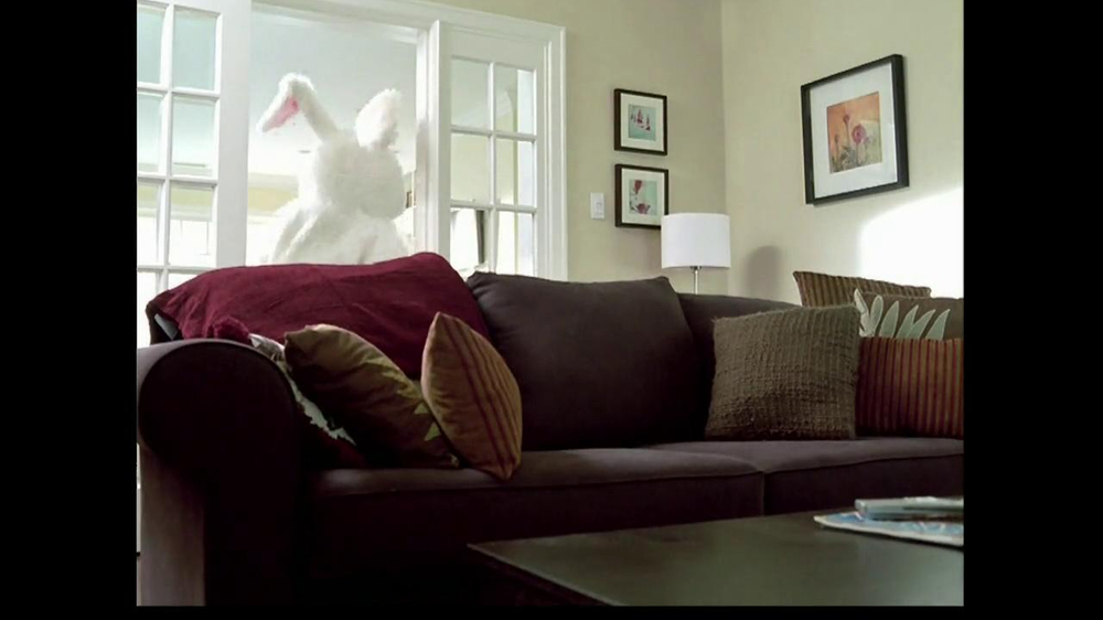 M&M's TV Spot, 'Easter Bunny Costume' - Screenshot 5