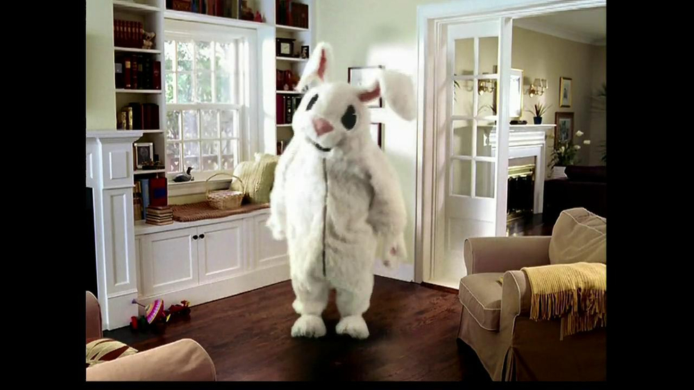 M&M's TV Spot, 'Easter Bunny Costume' - Screenshot 6