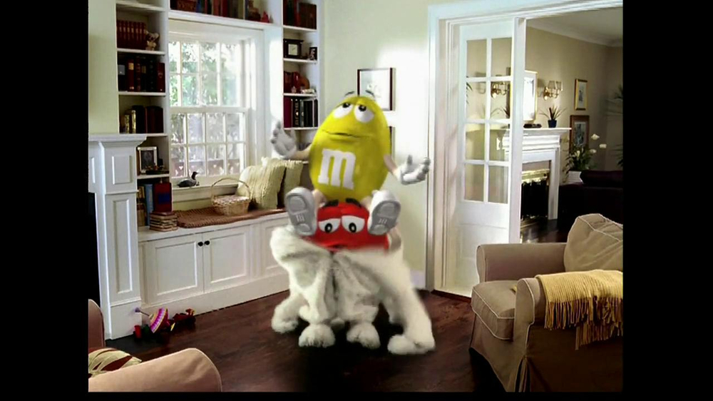 M&M's TV Spot, 'Easter Bunny Costume' - Screenshot 7
