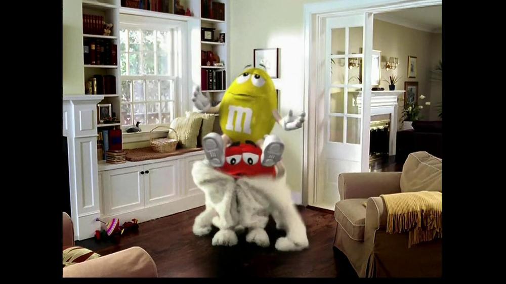 M&M's TV Spot, 'Easter Bunny Costume' - Screenshot 7