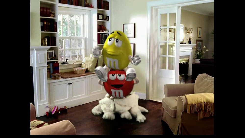 M&M's TV Spot, 'Easter Bunny Costume' - Screenshot 9
