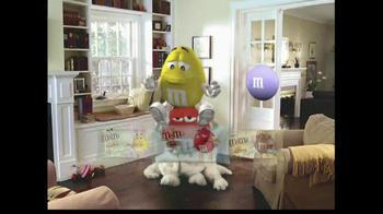 M&M's TV Spot, 'Easter Bunny Costume' - Thumbnail 10