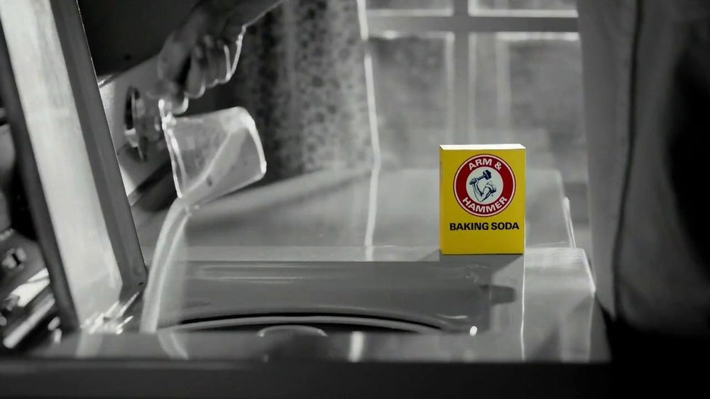 Arm and Hammer Ultra Power 4X TV Spot, 'Laundry Secret' - Screenshot 1