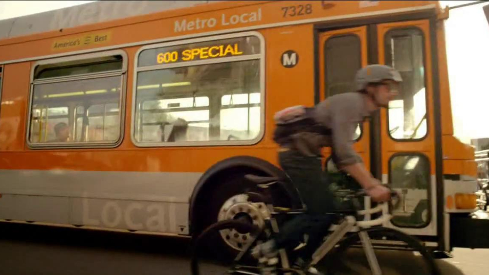 Mountain Dew Kickstart TV Spot, 'Bus Ride' Song by Kid Cudi - Screenshot 4