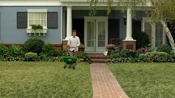 Scotts Turf Builder Lawn Food TV Spot, 'Feed Us!' - Thumbnail 6