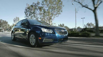 2013 Chevrolet Cruze LS TV Spot, 'Road Trip Test Drive' - Thumbnail 3