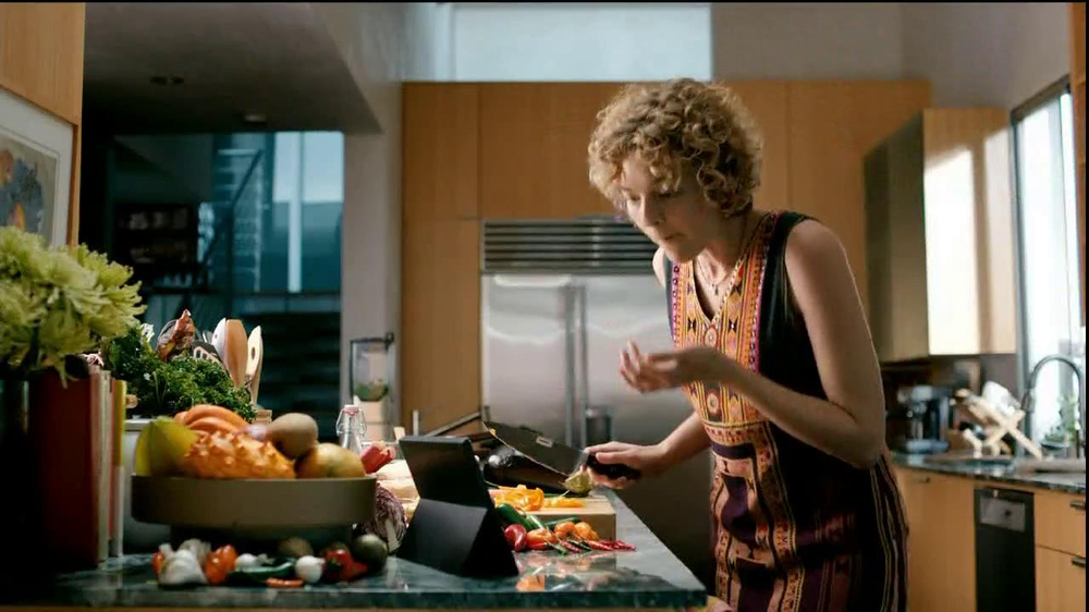 Microsoft Outlook TV Spot, 'Get Going' Song by Macklemore - Screenshot 5