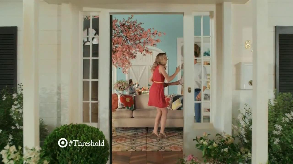 Target Threshold TV Spot, 'Home Tour' Original Song by CSNY - Screenshot 2