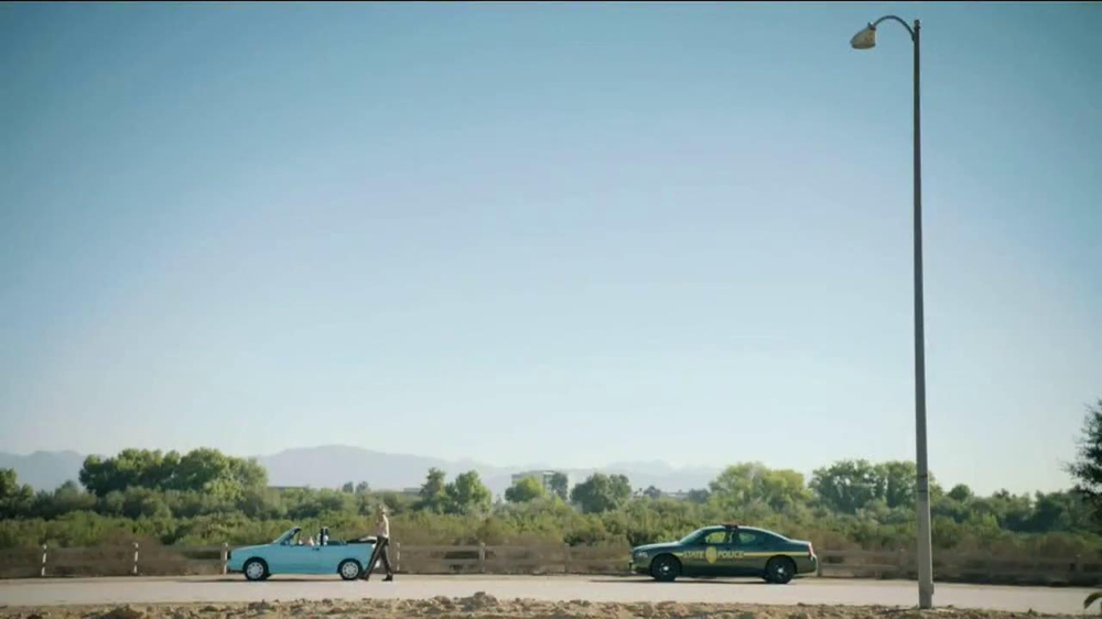 GEICO TV Spot, 'Maxwell the Piggy Gets Pulled Over' - Screenshot 1