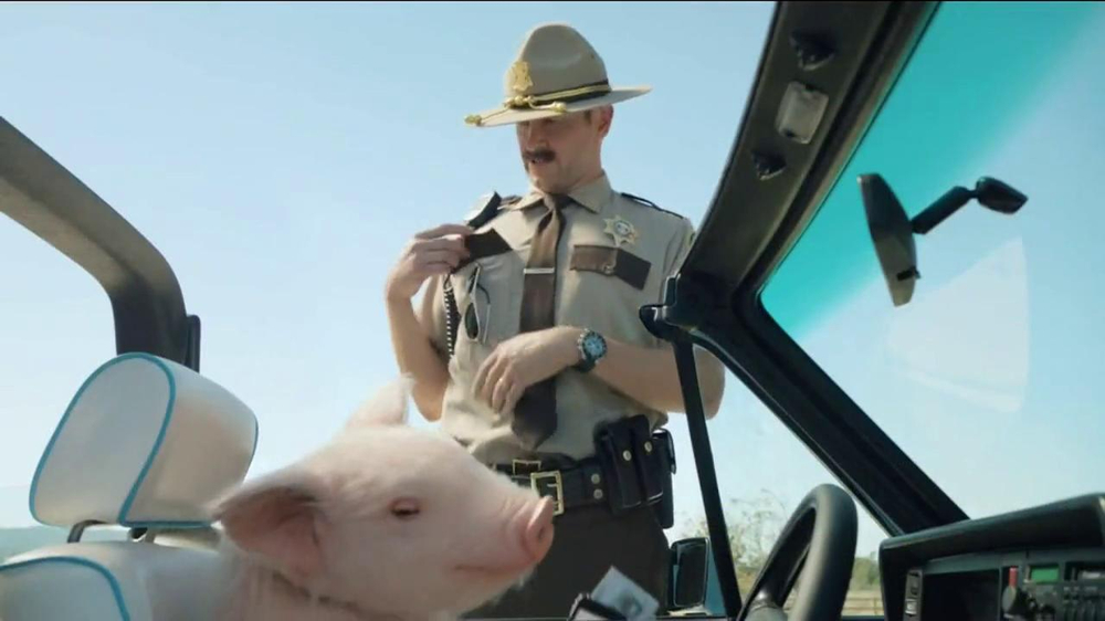 GEICO TV Spot, 'Maxwell the Piggy Gets Pulled Over' - Screenshot 2