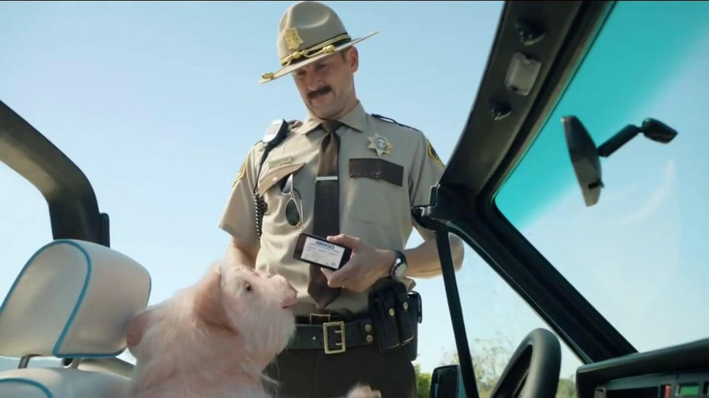 GEICO TV Spot, 'Maxwell the Piggy Gets Pulled Over' - Screenshot 4