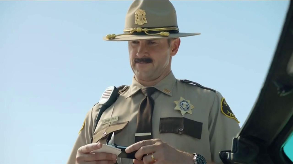 GEICO TV Spot, 'Maxwell the Piggy Gets Pulled Over' - Screenshot 6