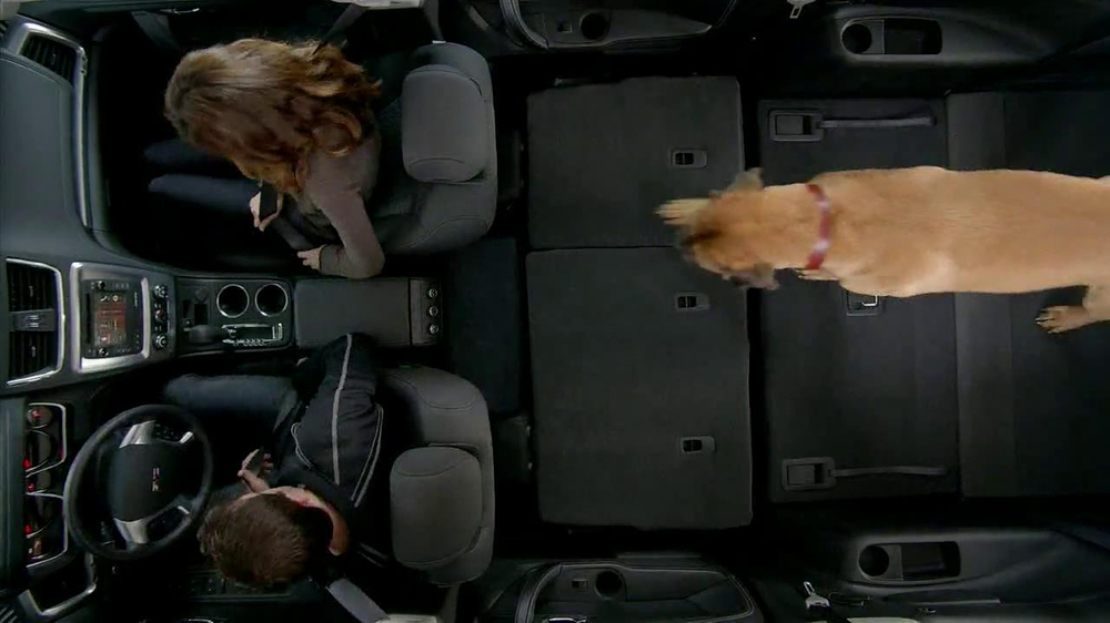 2013 GMC Acadia SLE-1 TV Spot, 'Backseat Dog' Song by Lenka - Screenshot 4