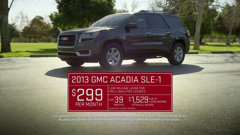 2013 GMC Acadia SLE-1 TV Spot, 'Backseat Dog' Song by Lenka - Screenshot 9