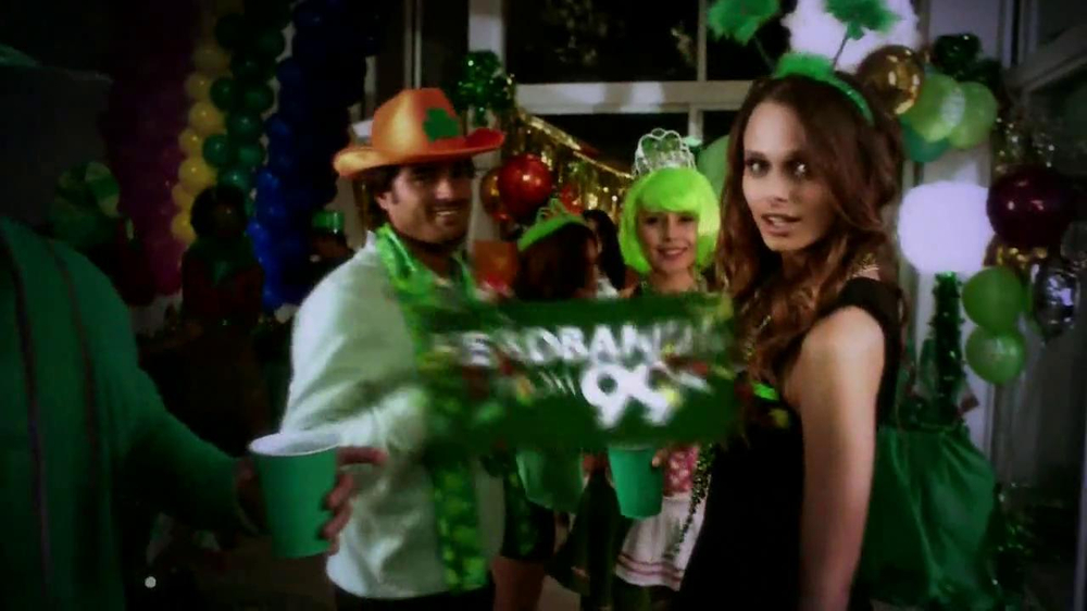 Party City TV Spot, 'St. Patricks Day Party' - Screenshot 2