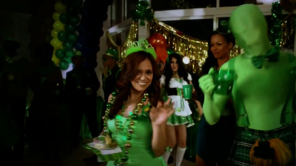 Party City TV Spot, 'St. Patricks Day Party' - Screenshot 3