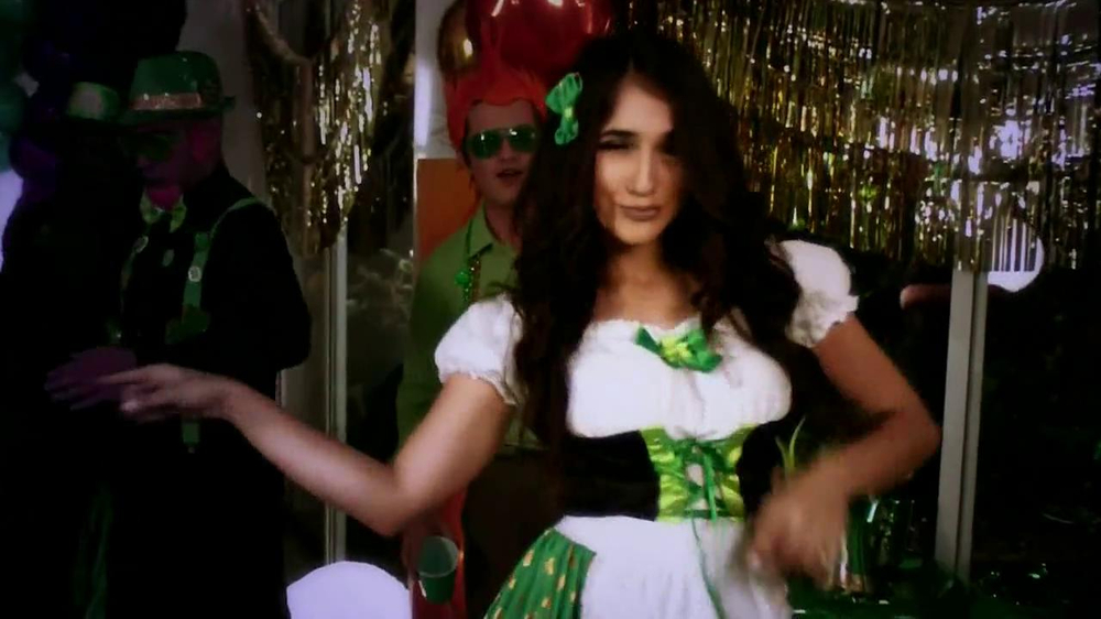 Party City TV Spot, 'St. Patricks Day Party' - Screenshot 4