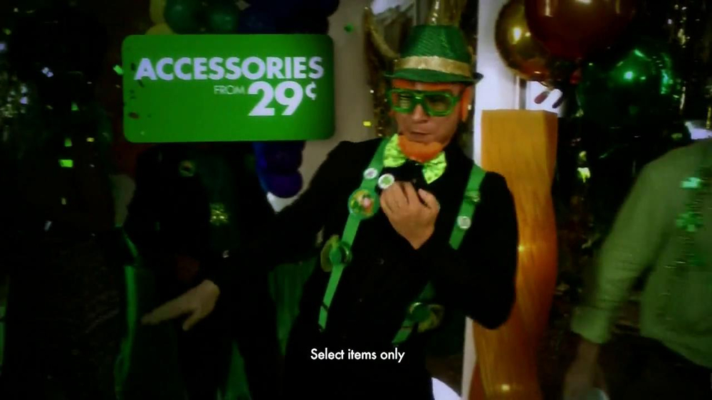 Party City TV Spot, 'St. Patricks Day Party' - Screenshot 5