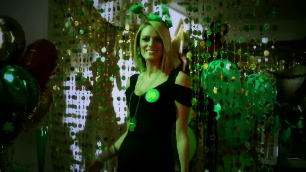 Party City TV Spot, 'St. Patricks Day Party' - Screenshot 7