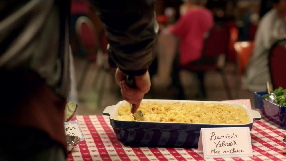 Velveeta TV Spot, 'Potluck' - Screenshot 1