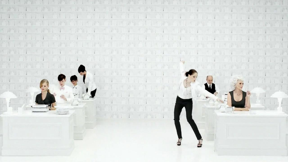 White House Black Market TV Spot Featuring Coco Rocha, Song by Miss Li - Screenshot 3