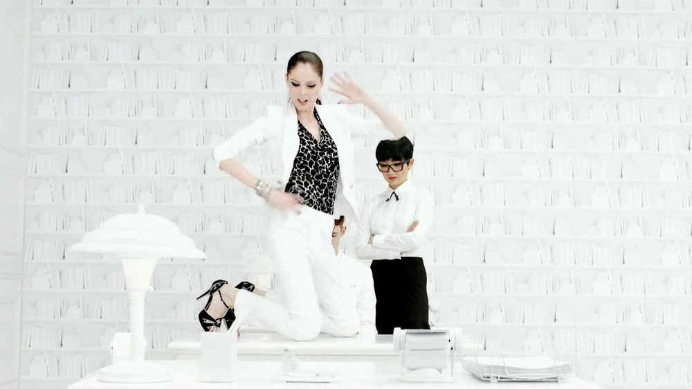 White House Black Market TV Spot Featuring Coco Rocha, Song by Miss Li - Screenshot 4