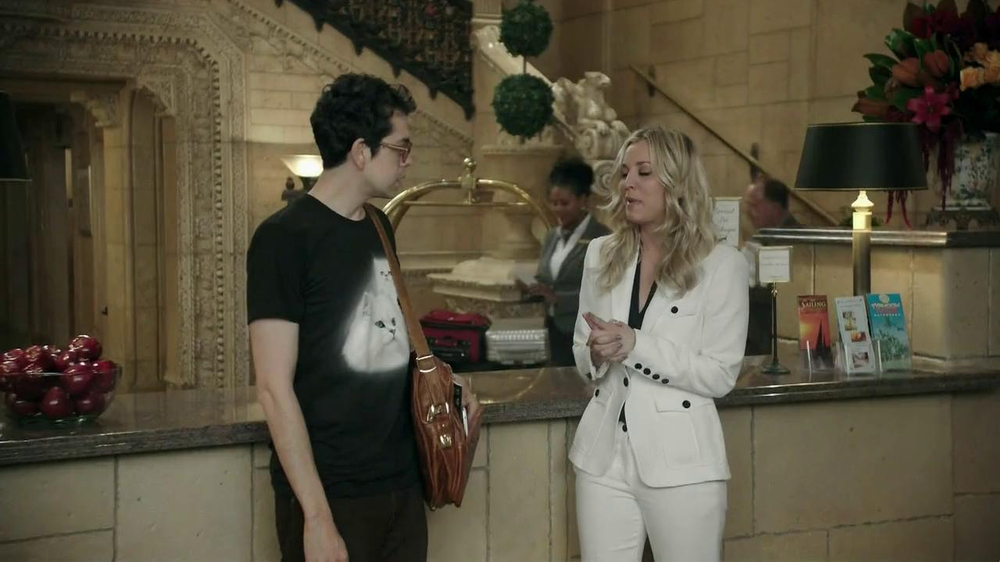 Priceline.com TV Spot, 'Cat Guy' Featuring Kaley Cuoco - Screenshot 1