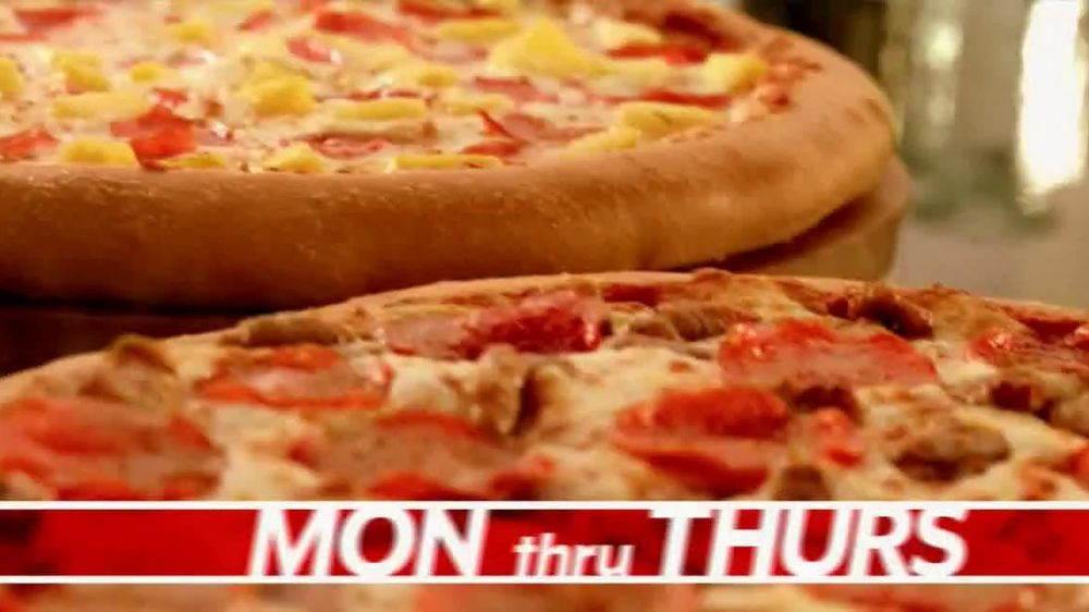 Pizza Hut Great Big Deal TV Spot, 'Carryout or Specialty' - Screenshot 2
