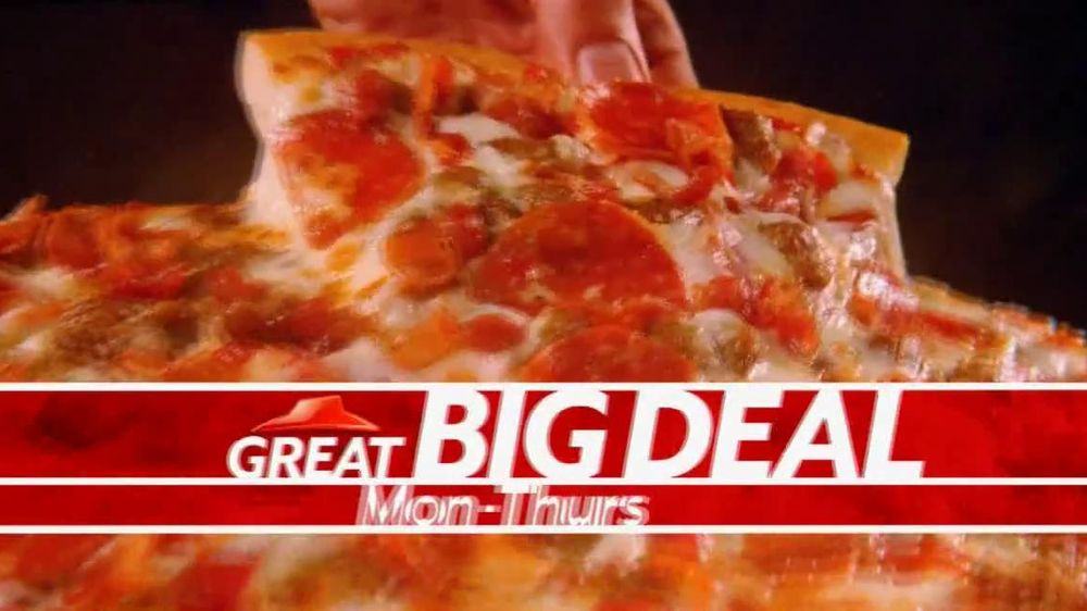 Pizza Hut Great Big Deal TV Spot, 'Carryout or Specialty' - Screenshot 6