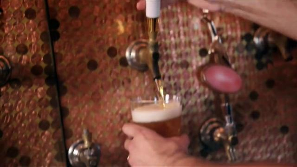 Samuel Adams Boston Lager TV Spot, 'Surprise!' - Screenshot 3
