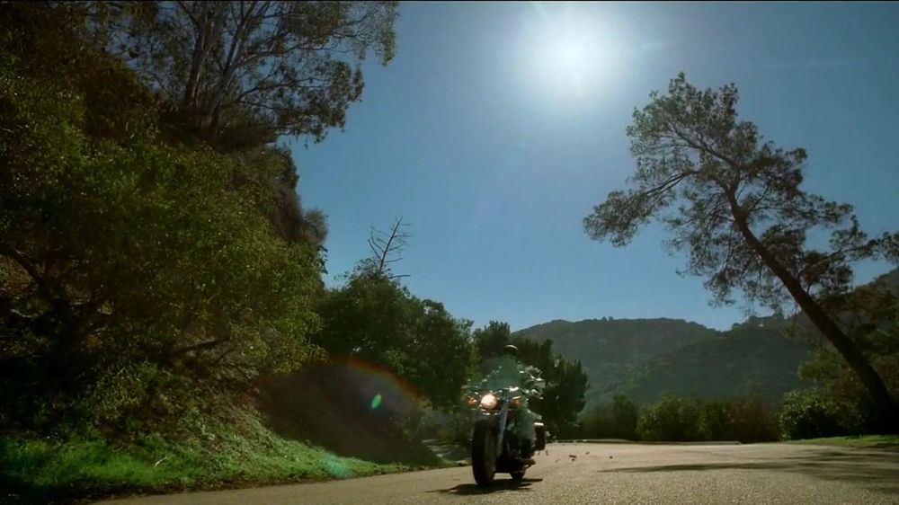 GEICO Motorcycle Insurance TV Spot, 'A Ride' Song by The Allman Brothers - Screenshot 8