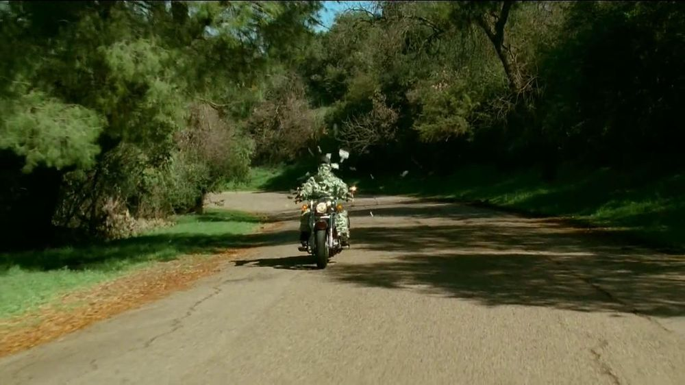 GEICO Motorcycle Insurance TV Spot, 'A Ride' Song by The Allman Brothers - Screenshot 2