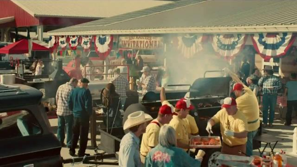 Bank of America TV Spot, 'Norm the Barbecue Champ' Song by Lynyrd Skynyrd - Screenshot 1