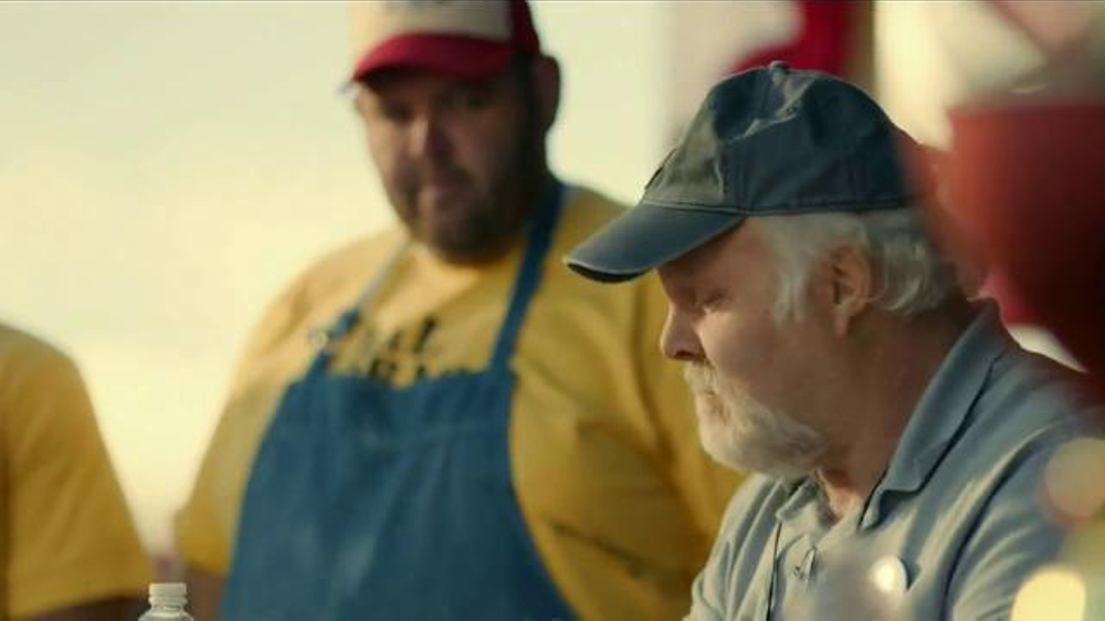 Bank of America TV Spot, 'Norm the Barbecue Champ' Song by Lynyrd Skynyrd - Screenshot 8