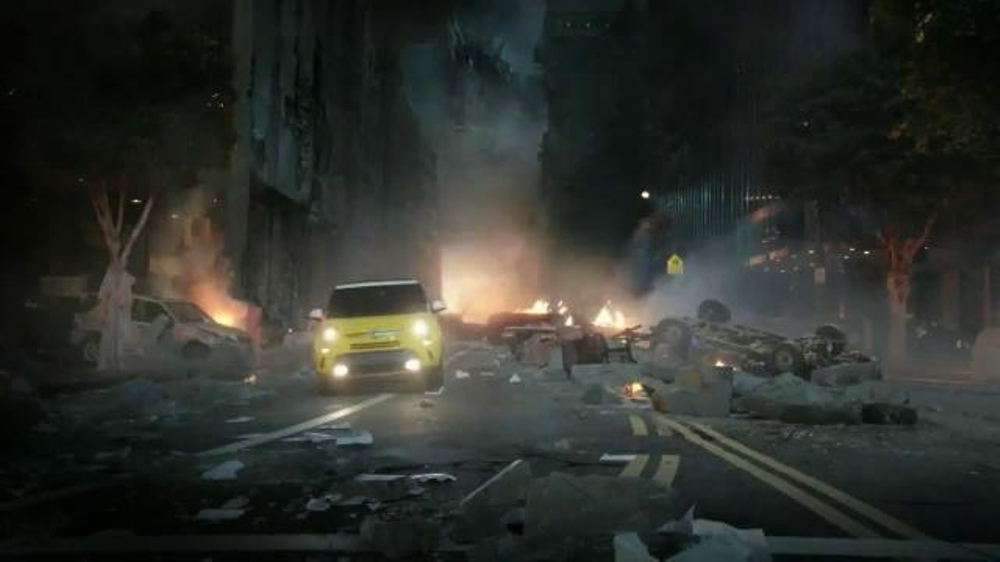 FIAT TV Spot, 'Godzilla' - Screenshot 10