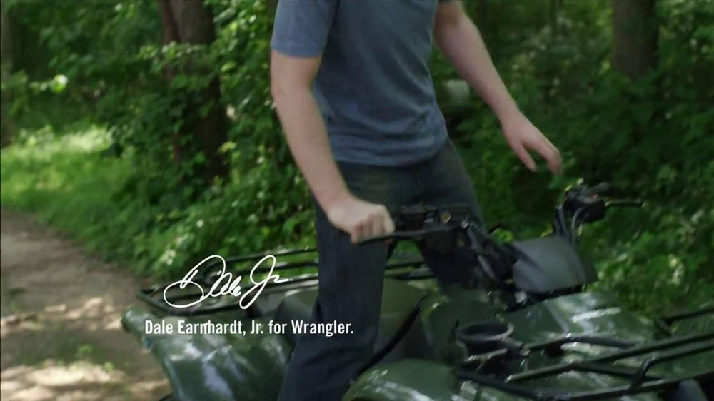 Wrangler TV Spot for UShape Jeans Featuring Brett Favre and Dale Earnhardt - Screenshot 3